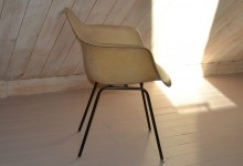 eames dax shell chair